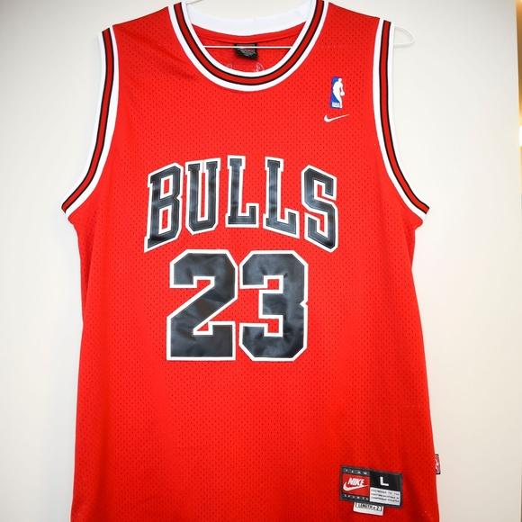 ef7181d6eb4 Chicago Bulls Michael Jordan  23 Jersey! Large! M 5b46285845c8b3cfb3e3169c
